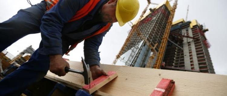 Дърводелец в строителството